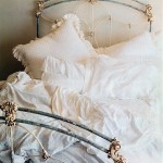 iron beds /Victorian