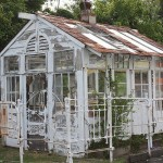 Iron Bed-Green House