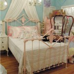 Pink Deco Iron Bed