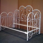 iron bed / daybed w/ back