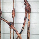 iron bed / Rusty Iron Distressed Crackle