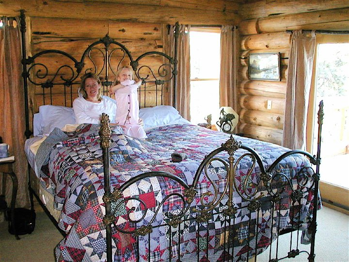 Mountain Cabin And Lodge Decor And The Right Iron Bed